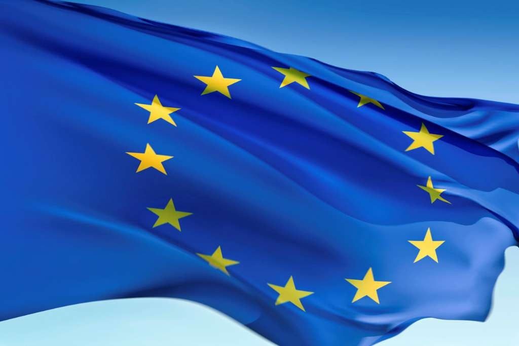Flag of the European Union-Travel with a passport with less than 6 months validity
